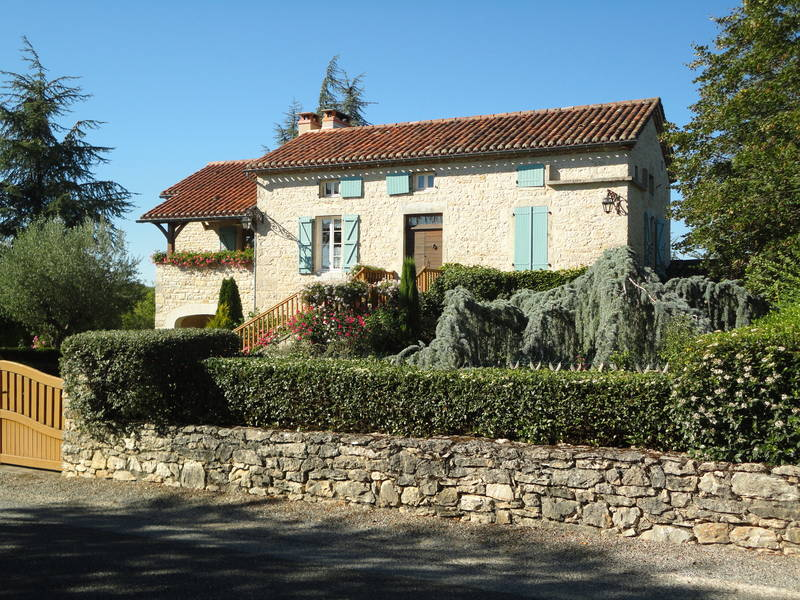 Maison Charentaise These Are Traditional Poitou Charente Stone Houses Located In One Of The Sunniest Places Southwestern France